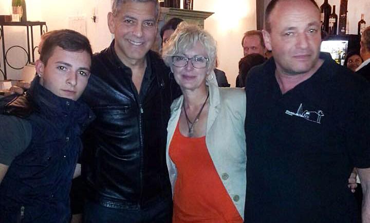 George Clooney in restaurant Alqueria del Pou, famous paella